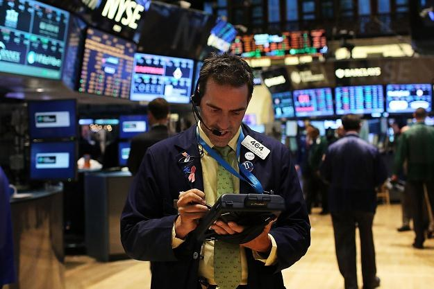 Czwartkowa sesja na Wall Street przyniosła niewielkie zwyżki głównych indeksów /AFP