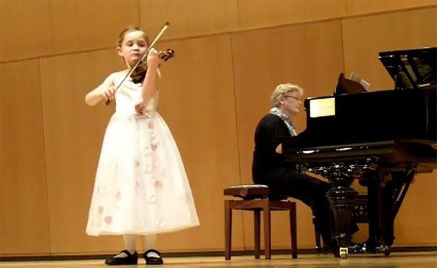 Czy 7-letnia Alma Deutscher to talent na miarę Mozarta? /