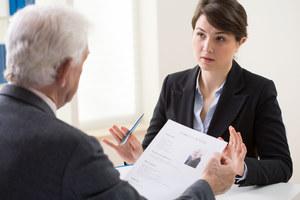 Czy aby dostać dobrą pracę, naprawdę potrzebujesz tytułu magistra?