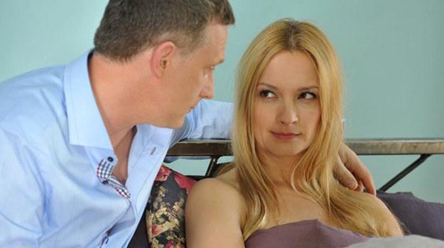 Czy Artur wykorzysta okazję - i wyzna żonie prawdę? A jeśli nie… jakie kłamstwo wymyśli tym razem? /www.mjakmilosc.tvp.pl/