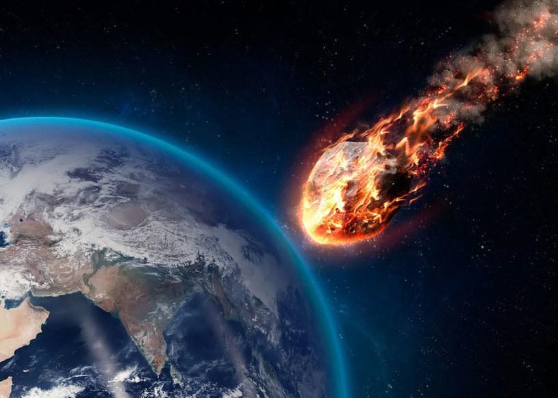 Czy asteroida 2002 NT7 stanowi zagrożenia dla Ziemi? /123RF/PICSEL