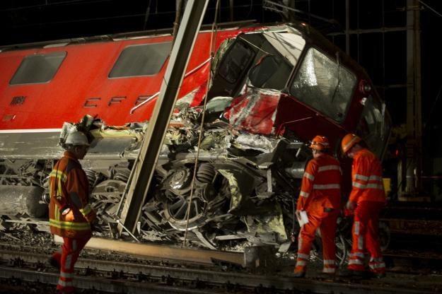 Czy atak hakerów może doprowadzić do katastrofy kolejowej? /AFP