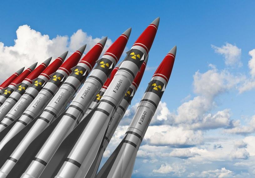 """Czy """"atomowe pociągi"""" będą nową, niebezpieczną bronią Chińczyków? /123RF/PICSEL"""