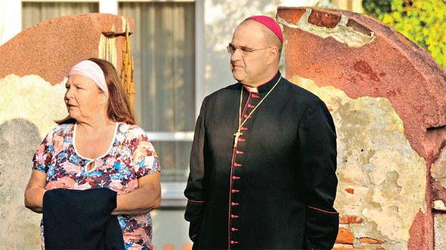 Czy biskup przeniesie się do kurii? To byłby cios dla Michałowej /K. Wellman /TVP