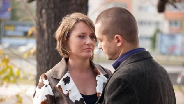 Czy Bogdanowi uda się przekonać dzieci, żeby razem z nim i Heleną przeniosły się do Gdyni? /TVN