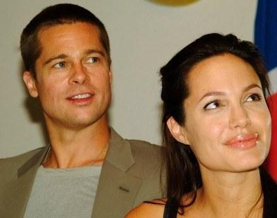 Czy Brad Pitt dobrze się czuje w roli ojca...? /AFP