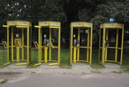 Czy budki telefoniczne znikną niebawem z polskich ulic? fot. Cezary Pecold /Agencja SE/East News