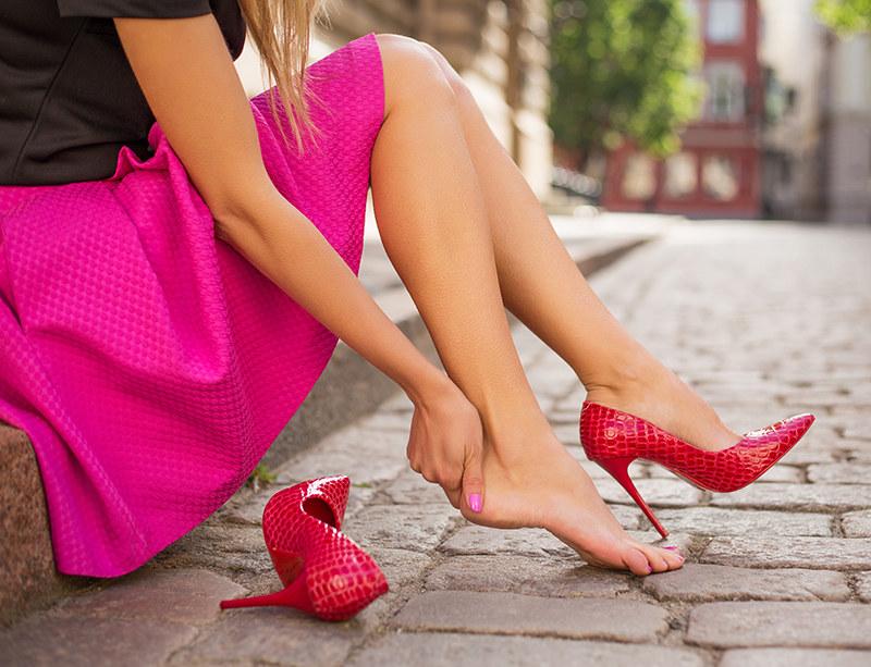 czy buty są zdrowe /© Photogenica