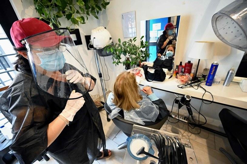 Czy ceny usług fryzjerskich wzrosną? /AFP