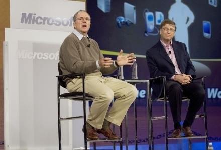 Czy Craig Mundie i Bill Gates zagwarantują nam bezpieczeństwo w sieci? /AFP