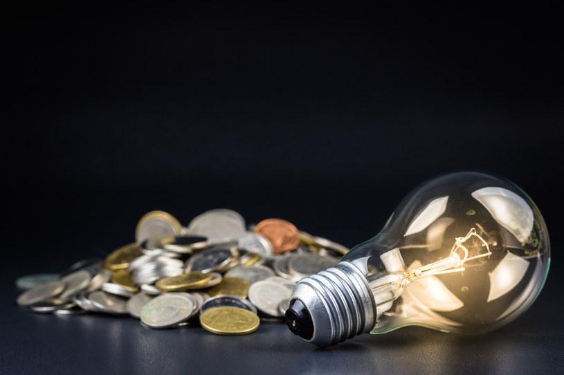 Czy dla ochrony klimatu jesteśmy gotowi zgodzić się na płacenie wyższych rachunków za energię? /©123RF/PICSEL