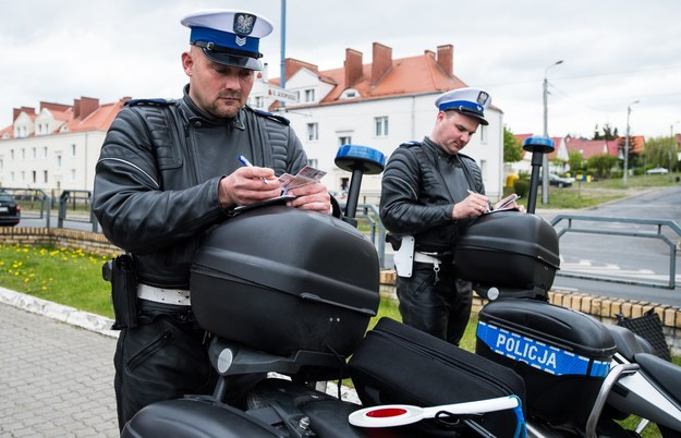 Czy dotkliwsze kary za wykroczenia podziałają na wyobraźnię kierowców? /Paweł Skraba /Reporter