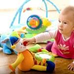 """Czy drogie zabawki """"stymulujące"""" rozwój są rzeczywiście skuteczne?"""