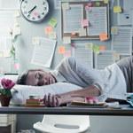 Czy drzemka w pracy to dobry pomysł? Zdziwisz się!