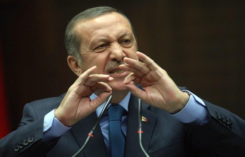 Czy Erdogan boi się wojskowej interwencji? /AFP