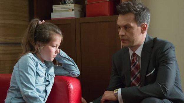 Czy Falkowicz sprawdzi się w roli taty? /www.nadobre.tvp.pl/