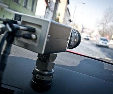 Czy fotoradar może rejestrować z ukrycia? Znamy odpowiedź