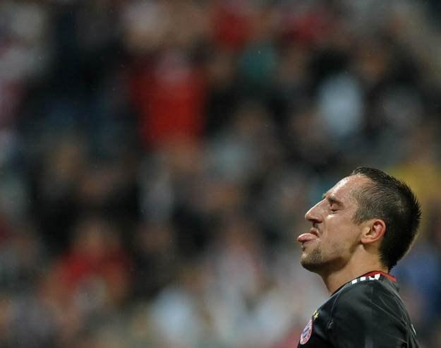 Czy Frank Ribery i jego koledzy z Bayernu sprzedali mecz  Zenitowi? /AFP