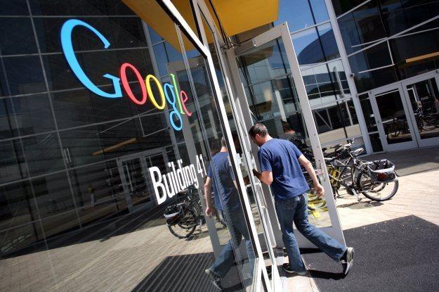 Czy Google faktycznie wykorzystuje wszystkie możliwe furtki do inwigilacji konkurencji? /AFP