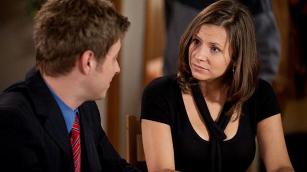 Czy Gosia (Anna Kerth) nie widzi, co prawdopodobnie czeka ją u boku Piotra (Maciej Jachowski)? /TVN