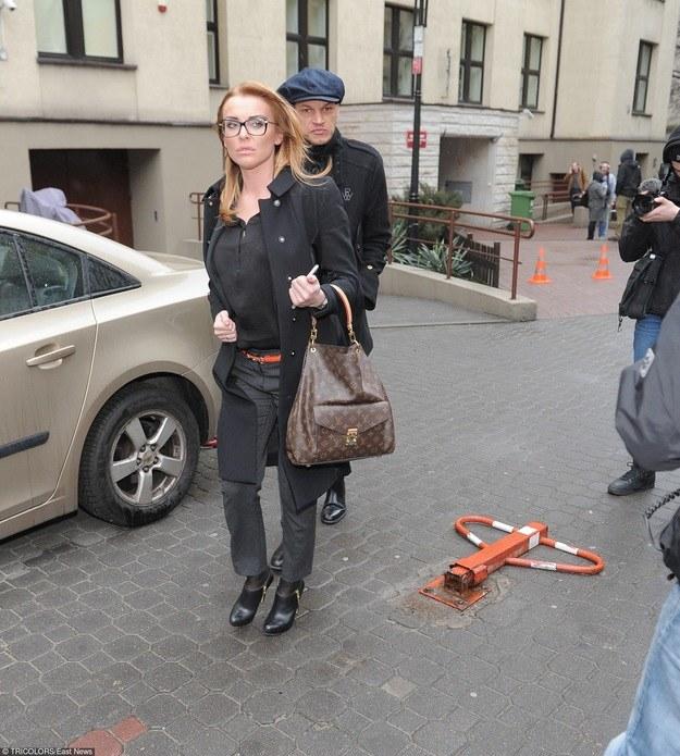Czy Izabela Adamczyk odwiedzi swojego męża w areszcie? /- /East News