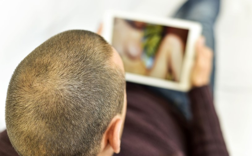 Czy izraelscy internauci będą musieli prosić o dostęp do pornografii w sieci /123RF/PICSEL