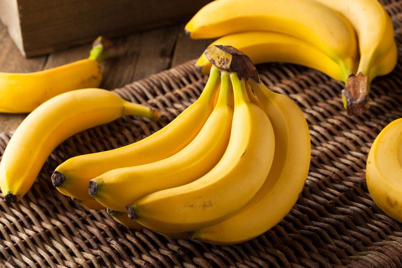 Czy jedzenie bananów może być niebezpieczne? /123RF/PICSEL