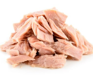Czy jedzenie tuńczyka z puszki jest bezpieczne?
