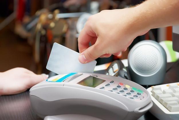 Czy karta kredytowa to dobra alternatywa dla gotówki w czasie wyjazdów wakacyjnych /© Panthermedia