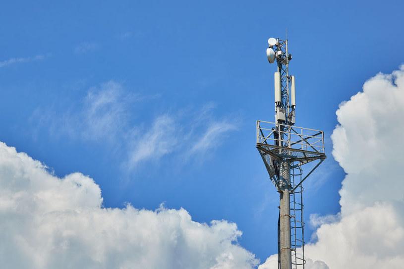 Czy KE zdoła ujednolicić certyfikację sprzętu dla sieci 5G? /123RF/PICSEL