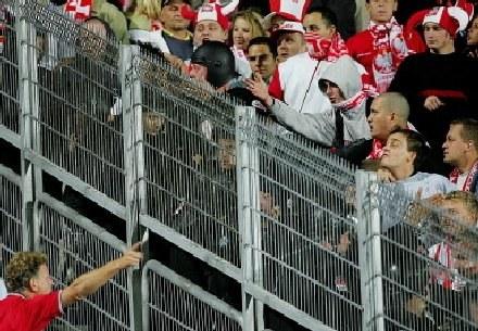 Czy kibice na Stadionie Śląskim obejrzą mecze podczas Euro 2012? /AFP