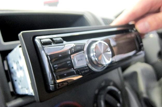 Czy kierowcy zaczną demontować radioodbiorniki? /