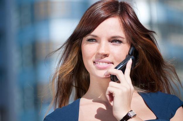 Czy klienci zyskają na wojnie operatorów telekomunikacyjnych? /©123RF/PICSEL