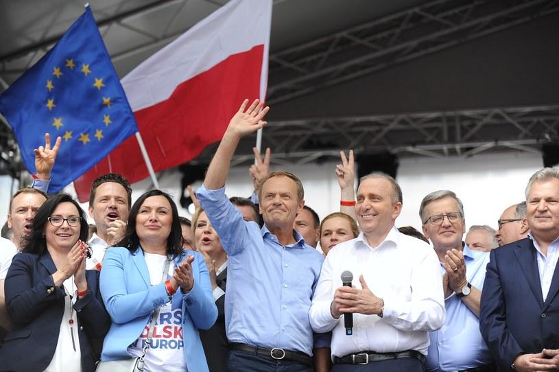 Czy Koalicji Europejskiej uda się pokonać PiS? /Tomasz Urbanek /East News