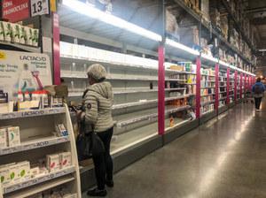 Czy koronawirus może przenosić się za pomocą żywności? Jak zachować się w sklepie i w kuchni?