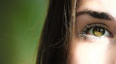 Czy koronawirus może wniknąć do organizmu przez oczy?