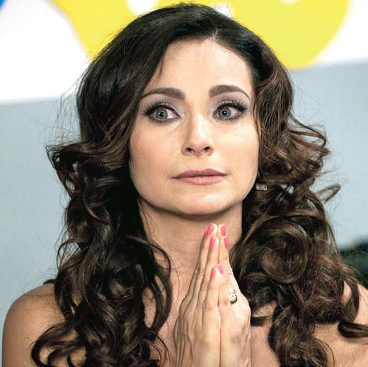 Czy Lucía zgodzi się na ultimatum Maríi Alejandry? /materiały prasowe