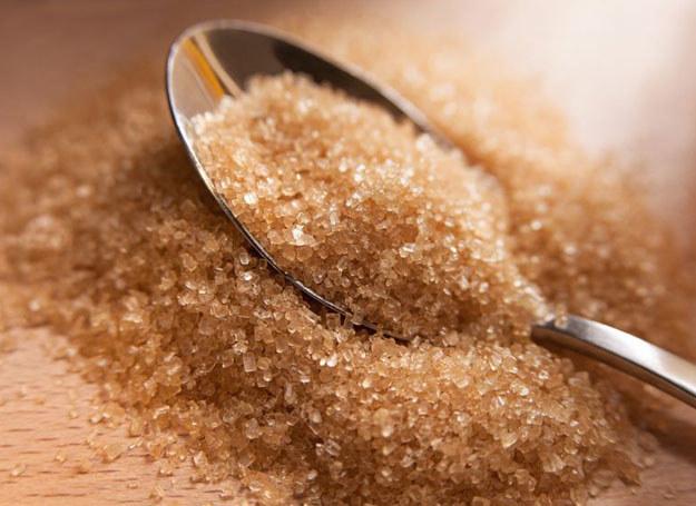 Czy ludzie, którzy spożywają nadmierne ilości cukru faktycznie wyglądają starzej? /123RF/PICSEL