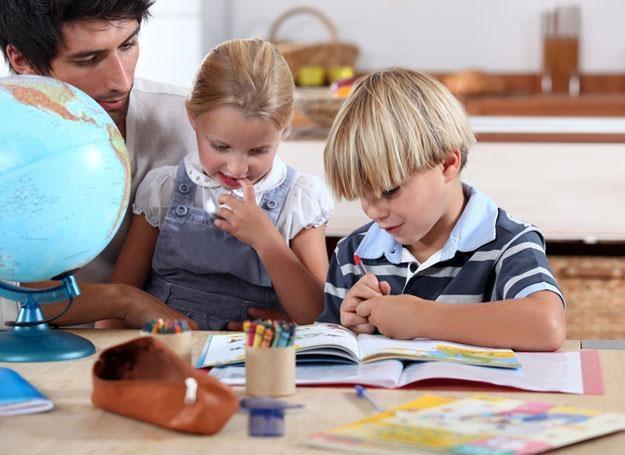 Czy maluchy potrafią współpracować i się dzielić? /© Panthermedia