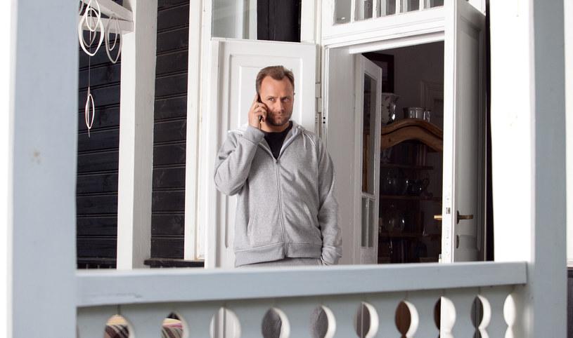 Czy Marek zachowa zupełną obojętność wobec rodzącego się na jego oczach romansu? /x-news/ Agnieszka K. Jurek /TVN