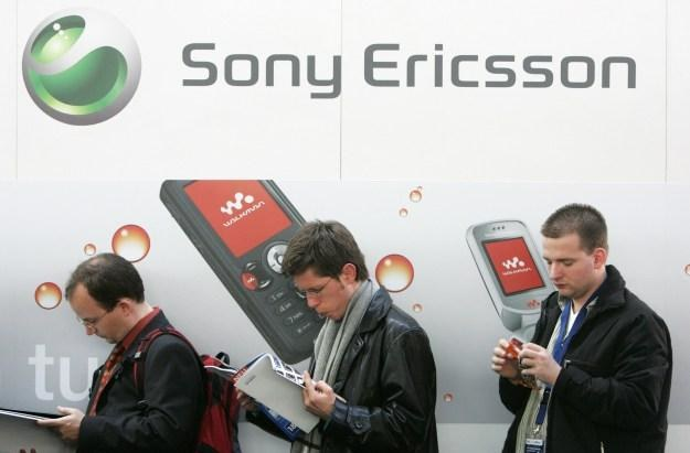 Czy marka Sony Ericsson zniknie z rynku? /AFP