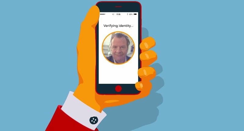 CZy Mastercard Selfie Pay okaże się przydatną innowacją? /Mastercard News /YouTube
