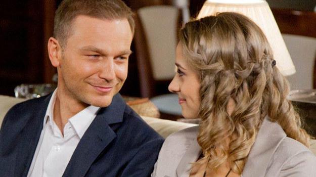 Czy miłość Julii i Janka faktycznie zwyciężyła a zło, którego uosobieniem była Monika Miller, poniosło klęskę? /materiały prasowe
