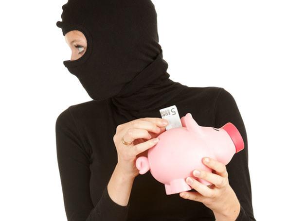 Czy mogę ukraść dziecku pieniądze? /© Panthermedia