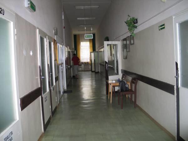 Czy może dojść do sytuacji, kiedy łóżka opustoszeją, bo... pacjentów nie będzie stać na szpital? /RMF