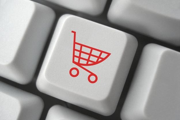 Czy można sprzedawać przez internet bez kasy fiskalnej? /© Panthermedia