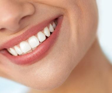 Czy można wybielić zęby domowymi sposobami?
