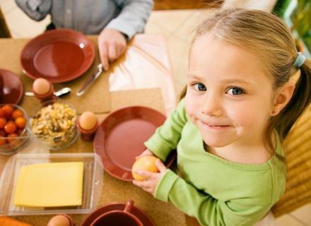 Czy nasze dzieci beda znały smak prawdziwego jedzenia? /© Panthermedia