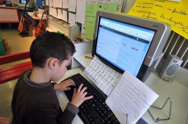 Czy nauka programowania wyprze naukę języków obcych? /AFP