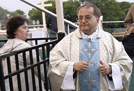 Czy ojciec Rydzyk poradzi sobie w internecie /AFP